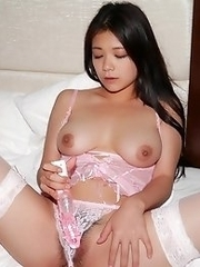 Beautiful and cute Japanese av idol Kana Tsuruta shows her amazing sexy body